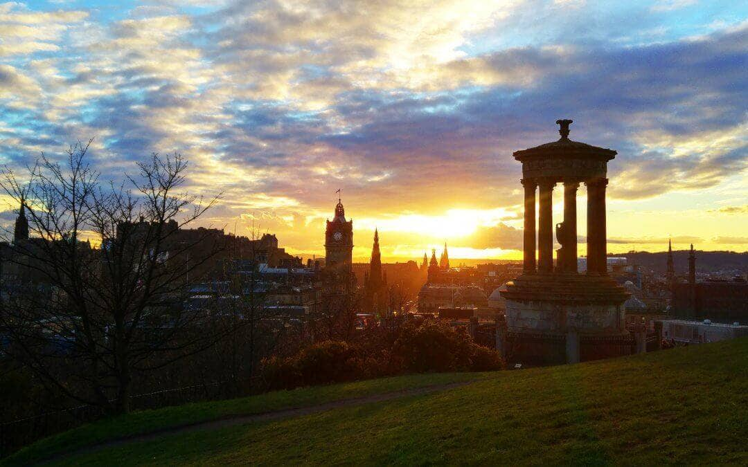 Explore Edinburgh in Pictures
